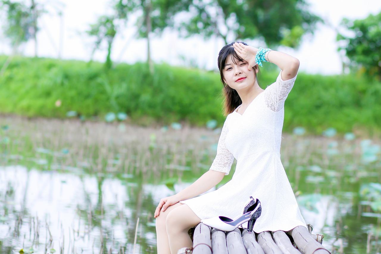 girl-3290219_1280